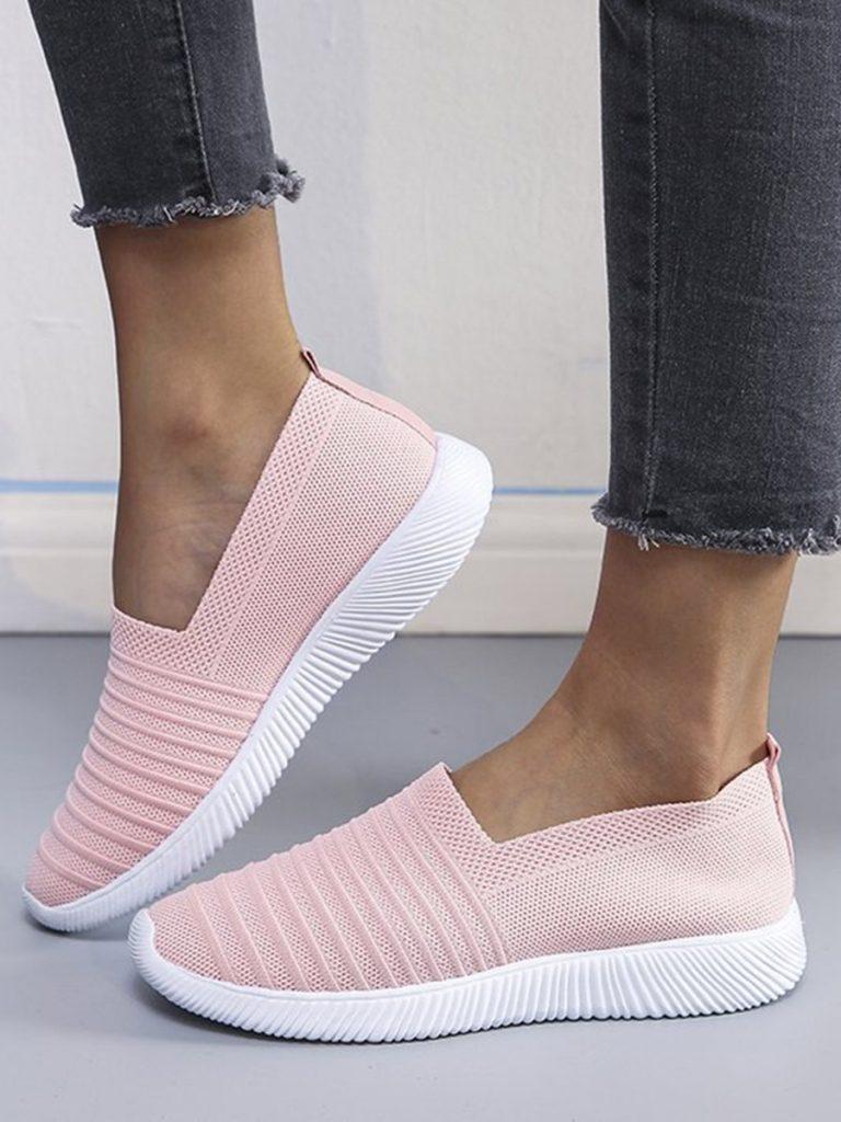Low Top Knit Flat Sneakers